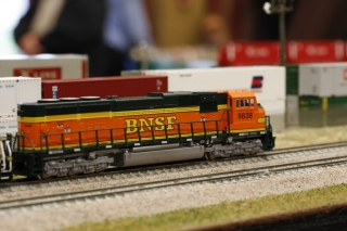 BNSF going past yard